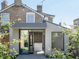 Victoria Street, 2019 TAS Architects Minimalistische Häuser