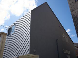.8 / TENHACHI Petites maisons Fer / Acier