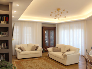 Architetto Luigia Pace Salas de estar clássicas Madeira maciça Branco