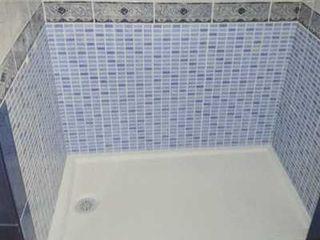 Cambiar bañera por ducha en un día - Básica 529€ Decobath Baños de estilo moderno Azulejos Azul