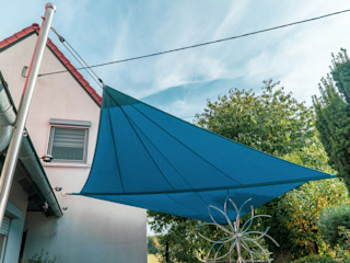 Manuell aufrollbares Sonnensegel | Terrasse | blau Pina GmbH - Sonnensegel Design Moderner Balkon, Veranda & Terrasse Blau