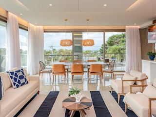 Juliana Agner Arquitetura e Interiores Tropical style dining room Blue