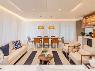Juliana Agner Arquitetura e Interiores Tropical style dining room Wood Blue