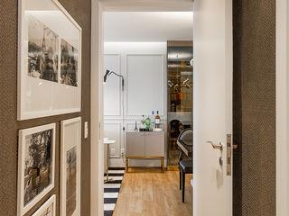 Juliana Agner Arquitetura e Interiores Modern corridor, hallway & stairs