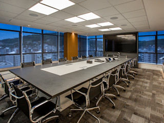 Juliana Agner Arquitetura e Interiores Modern study/office Grey