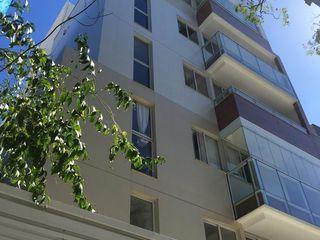 Edifício Residencial Contemporâneo - Domus Aurea ARUS Associados Ltda. Pavimentos Cerâmica Multi colorido