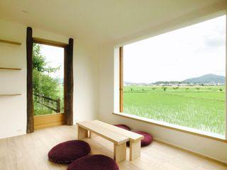 Mimasis Design/ミメイシス デザイン Phòng giải trí phong cách tối giản