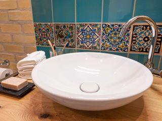 Wohlfühlbad im orientalischen Stil Banovo GmbH Asiatische Badezimmer Holz Weiß