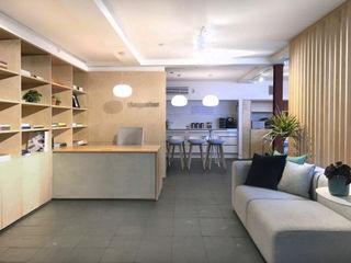 Tangerine Sandra Flashman Studio Koridor & Tangga Modern