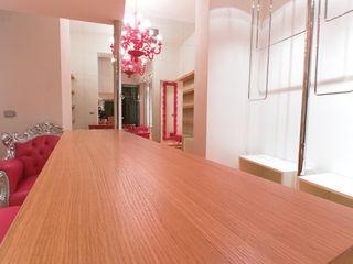Daniele Menichini Architetti Offices & stores Wood Pink