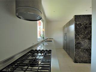 Villa con lucernario Fabricamus - Architettura e Ingegneria Cucina minimalista