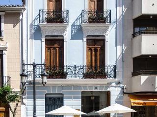 La Mano Derecha estudio Bar & Club in stile eclettico