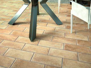 Gres porcellanato rustico ItalianGres Sala da pranzo in stile rustico