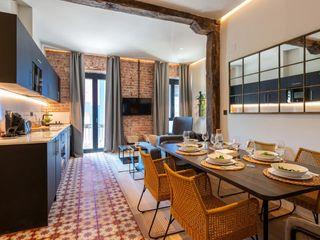 """Otro ejemplo de """"Cómo decorar y preparar mi piso turístico"""" Home Staging Bizkaia Comedores de estilo industrial Amarillo"""