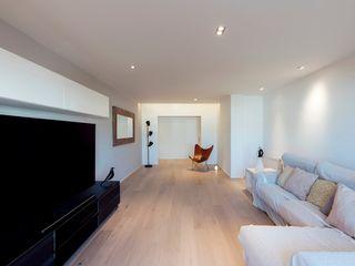 Studioapart Interior & Product design Barcelona Soggiorno minimalista Legno