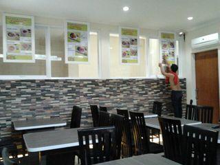 INTERIOR CAFE PT.KREASI ARTISTIKA GLOBALINDO Gastronomi Minimalis Kayu Lapis Multicolored