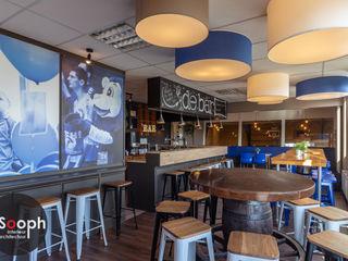 Volleybal kantine Sooph Interieurarchitectuur Eclectische fitnessruimtes Hout Blauw