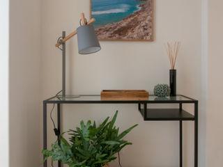 MUDA Home Design Pasillos, vestíbulos y escaleras de estilo escandinavo