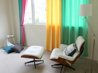 高彩度的自在居家,讓窗簾也能營造主色調|Donzu 拼色布簾.布簾 / 門簾 / 隔間簾 || Donzu - Assorted Colors Curtain.DIY Installation MSBT 幔室布緹 小臥室 MDF Green