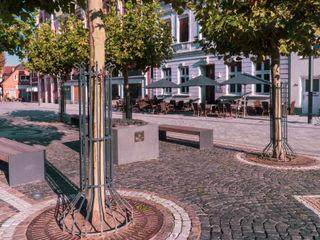Sonnenschirme auf dem Maktplatz Pina GmbH - Sonnensegel Design Moderne Häuser