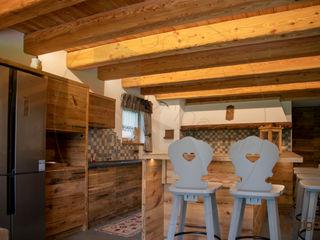 Arredamenti Brigadoi 廚房收納櫃與書櫃 木頭