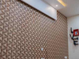 Nabh Design & Associates Quartos pequenos Derivados de madeira Castanho