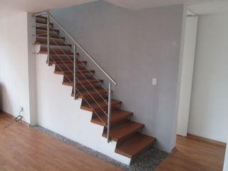 MADAN Arquitectos 계단 철 / 철강 우드 그레인