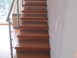 MADAN Arquitectos Merdivenler Demir/Çelik Metalik/Gümüş