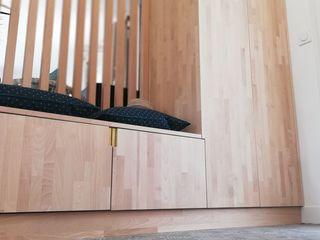 Réhabilitation d'une maison à Ambarès-et-Lagrave Agence boÔbo Dressing scandinave Bois