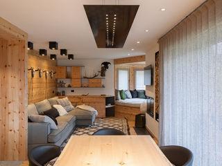 BEARprogetti Ruang Keluarga Modern