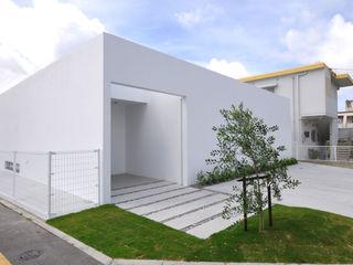 門一級建築士事務所 Maison individuelle Béton Blanc