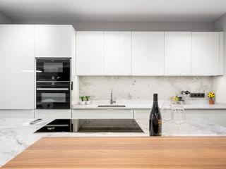 DIADE Gestión de obras y Proyectos Modern kitchen