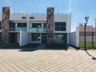 Navecsa Constructora Minimalist houses Bricks