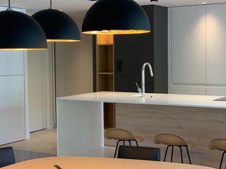 Rénovation d'un appartement à Lyon CUBIK architecture Salle à manger moderne