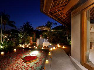 WaB - Wimba anenggata architects Bali Hoteles de estilo ecléctico Madera Acabado en madera
