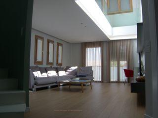 DYOV STUDIO Arquitectura, Concepto Passivhaus Mediterraneo 653 77 38 06 Salas/RecibidoresAccesorios y decoración Madera Blanco