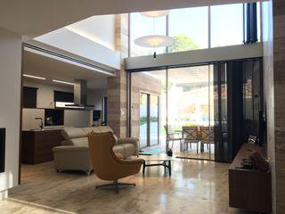 DYOV STUDIO Arquitectura, Concepto Passivhaus Mediterraneo 653 77 38 06 다이닝 룸액세서리 & 장식 대리석 베이지