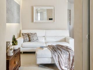 Appartamento privato a Bergamo Resin srl Soggiorno moderno Beige