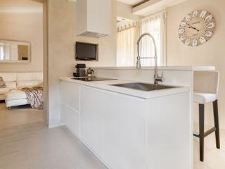 Appartamento privato a Bergamo Resin srl Cucina moderna