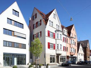 Mehrfamilienhaus KMF Architekturbüro zwo P Mehrfamilienhaus Beige