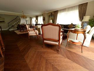 Lantana Parke Klasyczny salon Drewno O efekcie drewna