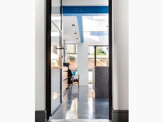 Kitchen Extension - Windsor Road, Kingston Upon Thames, KT2 APT Renovation Ltd Inside doors Solid Wood Black
