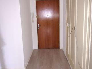 RENOVATION D'UN APPARTEMENT Lionel CERTIER - Architecture d'intérieur Couloir, entrée, escaliers modernes