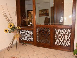 Gli Artigiani dei f.lli M.& S. Cordi snc Windows & doors Doors Wood Brown