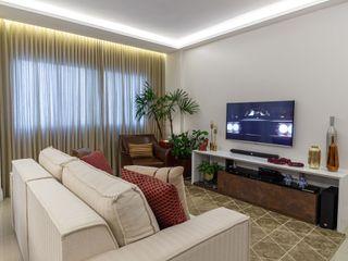 Milla Holtz & Bruno Sgrillo Arquitetura 现代客厅設計點子、靈感 & 圖片 Beige
