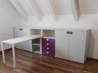 7 esempi di scrivania per la camera dei ragazzi Spaziojunior Stanza dei bambini moderna Viola/Ciclamino