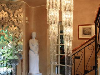 Luxurious Spaces with Multiforme Lighting MULTIFORME® lighting Couloir, entrée, escaliers classiques