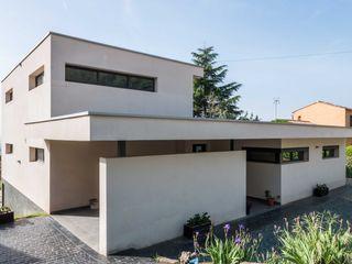 Construcción de Casa Moderna en L'Ametlla del Vallès Esteve Arquitectes Casas de estilo moderno Blanco