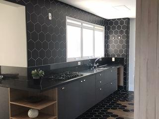 STUDIO SPECIALE - ARQUITETURA & INTERIORES Kitchen units Ceramic Grey