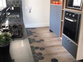 STUDIO SPECIALE - ARQUITETURA & INTERIORES Built-in kitchens Wood Grey